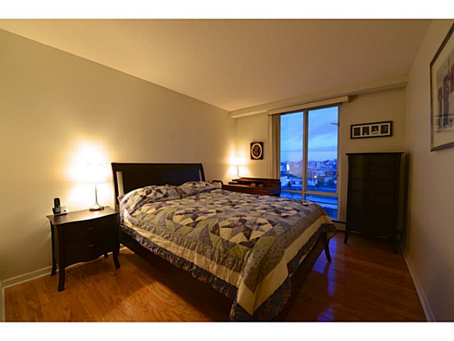 "Photo 10: 11A 139 DRAKE Street in Vancouver: Yaletown Condo for sale in ""CONCORDIA II"" (Vancouver West)  : MLS® # V1039147"
