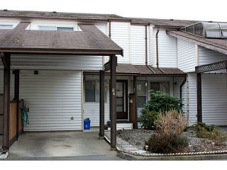"Main Photo: 86 27272 32ND Avenue in Langley: Aldergrove Langley Townhouse for sale in ""TWIN FIRS"" : MLS(r) # F1409011"