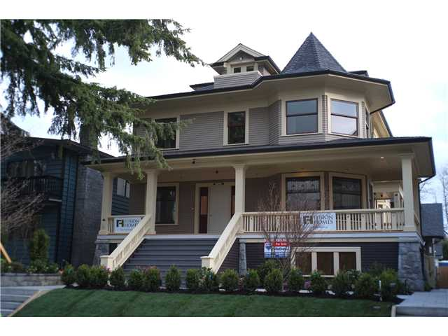 Main Photo: 334 W 14TH Avenue in Vancouver: Mount Pleasant VW Townhouse for sale (Vancouver West)  : MLS(r) # V1066314