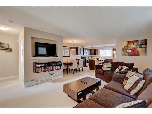 Photo 5: 22 SKYVIEW POINT Link NE in Calgary: Skyview Ranch House for sale : MLS® # C4019553