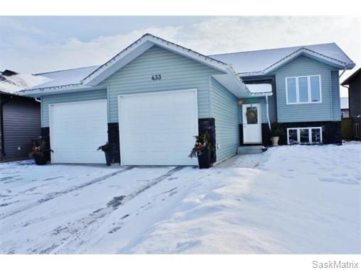 Main Photo: 433 Snead Crescent: Warman Single Family Dwelling for sale (Saskatoon NW)  : MLS® # 560649