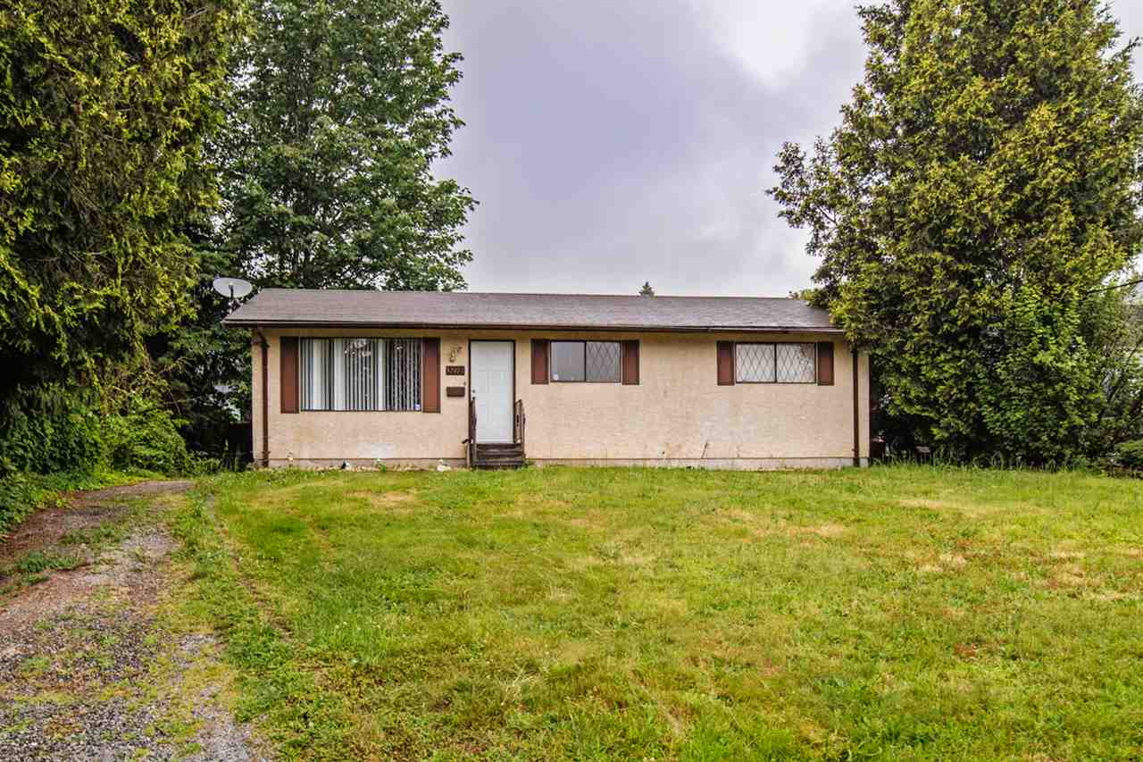 Main Photo: 32471 MCRAE Avenue in Mission: Mission BC House for sale : MLS®# R2080261