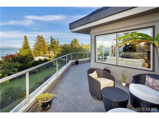Photo 15: 4961 Lochside Drive in VICTORIA: SE Cordova Bay Single Family Detached for sale (Saanich East)  : MLS® # 369362