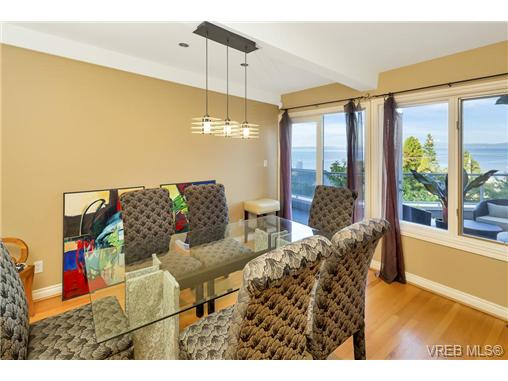 Photo 8: 4961 Lochside Drive in VICTORIA: SE Cordova Bay Single Family Detached for sale (Saanich East)  : MLS® # 369362
