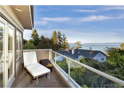 Photo 18: 4961 Lochside Drive in VICTORIA: SE Cordova Bay Single Family Detached for sale (Saanich East)  : MLS® # 369362