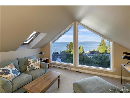 Photo 12: 4961 Lochside Drive in VICTORIA: SE Cordova Bay Single Family Detached for sale (Saanich East)  : MLS® # 369362