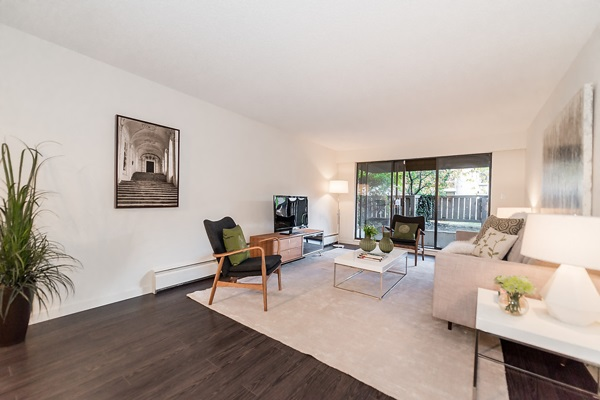 "Photo 8: 103 2424 CYPRESS Street in Vancouver: Kitsilano Condo for sale in ""CYPRESS PLACE"" (Vancouver West)  : MLS(r) # R2122519"
