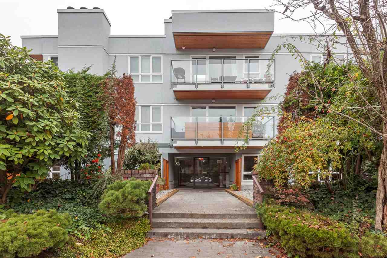 "Photo 19: 103 255 E 14TH Avenue in Vancouver: Mount Pleasant VE Condo for sale in ""MOUNT PLEASANT GARDENS"" (Vancouver East)  : MLS(r) # R2128771"