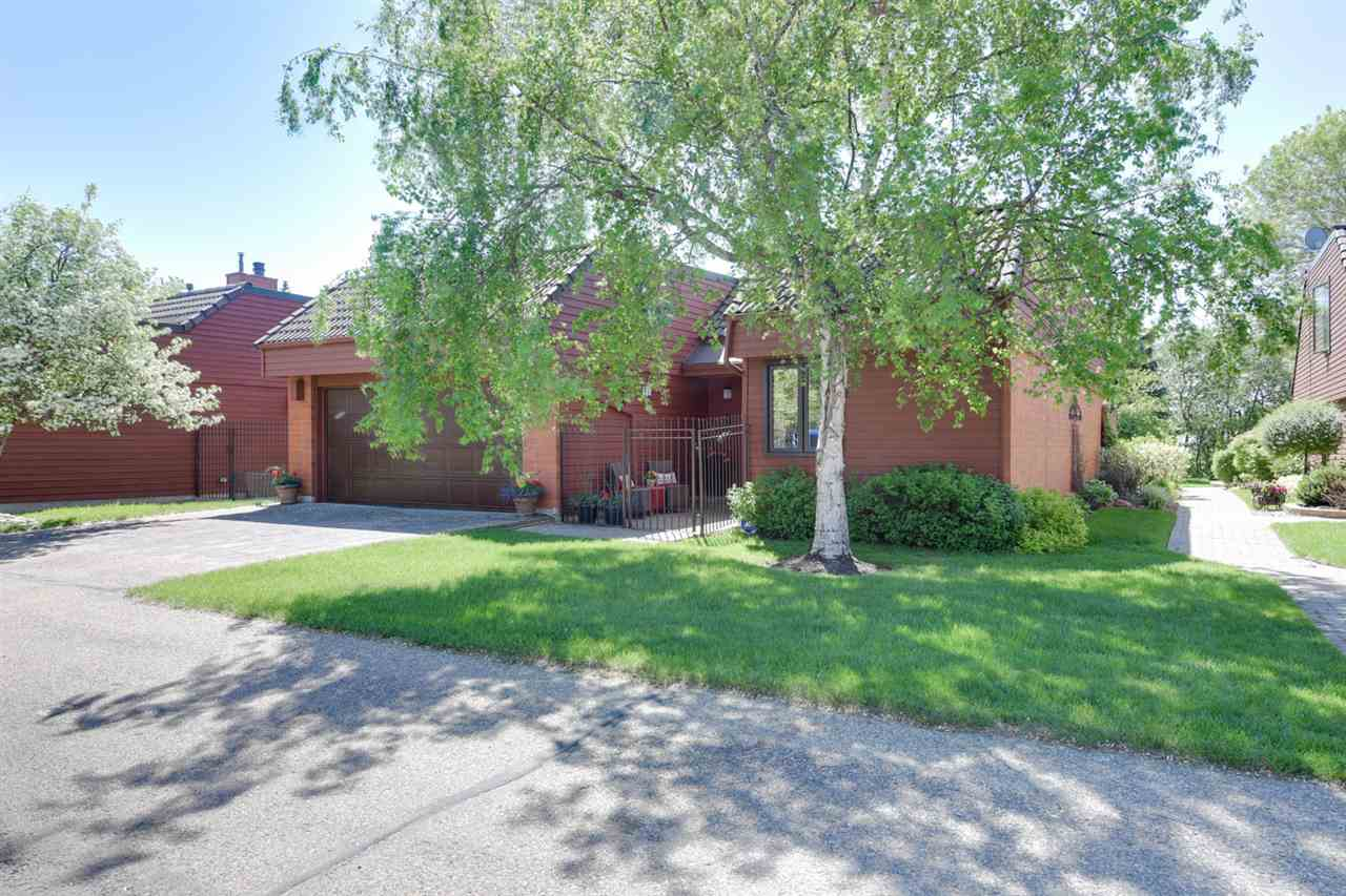 Main Photo: 11 500 Lessard Drive in Edmonton: Zone 20 Townhouse for sale : MLS(r) # E4067022