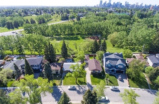Main Photo: 60 ROSERY Drive NW in Calgary: Rosemont House for sale : MLS(r) # C4119966