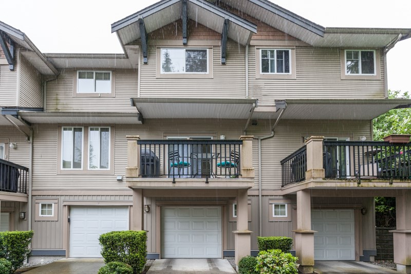Photo 2: 10 5839 PANORAMA DRIVE in Surrey: Sullivan Station Townhouse for sale : MLS® # R2166965
