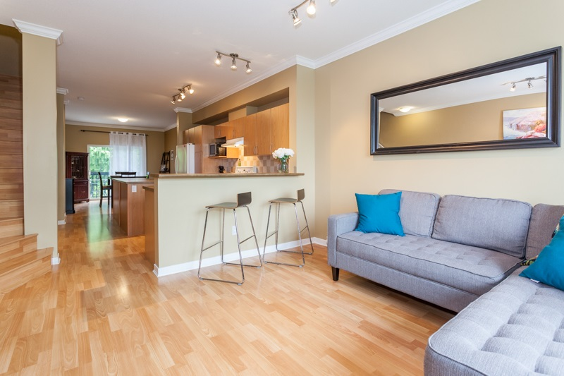 Photo 5: 10 5839 PANORAMA DRIVE in Surrey: Sullivan Station Townhouse for sale : MLS® # R2166965