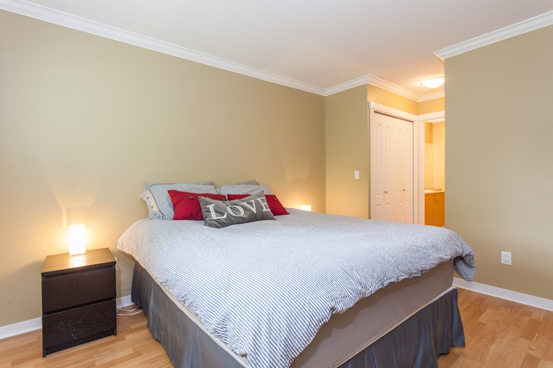 Photo 12: 10 5839 PANORAMA DRIVE in Surrey: Sullivan Station Townhouse for sale : MLS® # R2166965