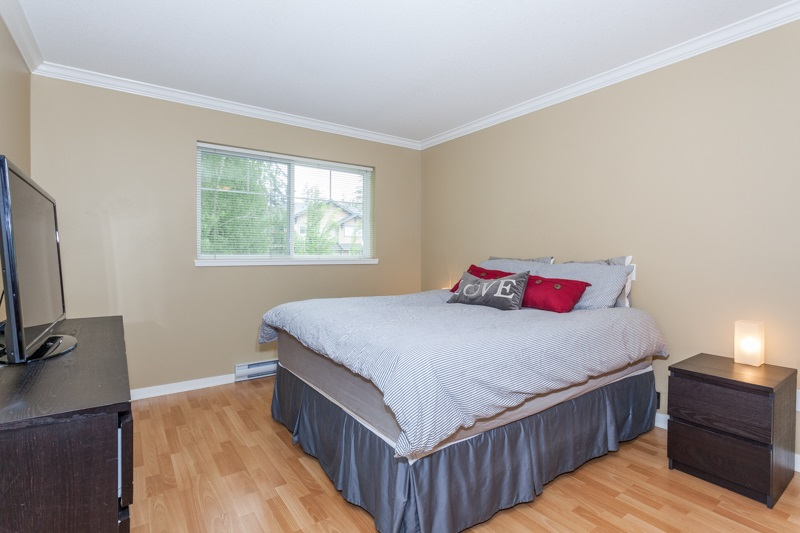 Photo 11: 10 5839 PANORAMA DRIVE in Surrey: Sullivan Station Townhouse for sale : MLS® # R2166965