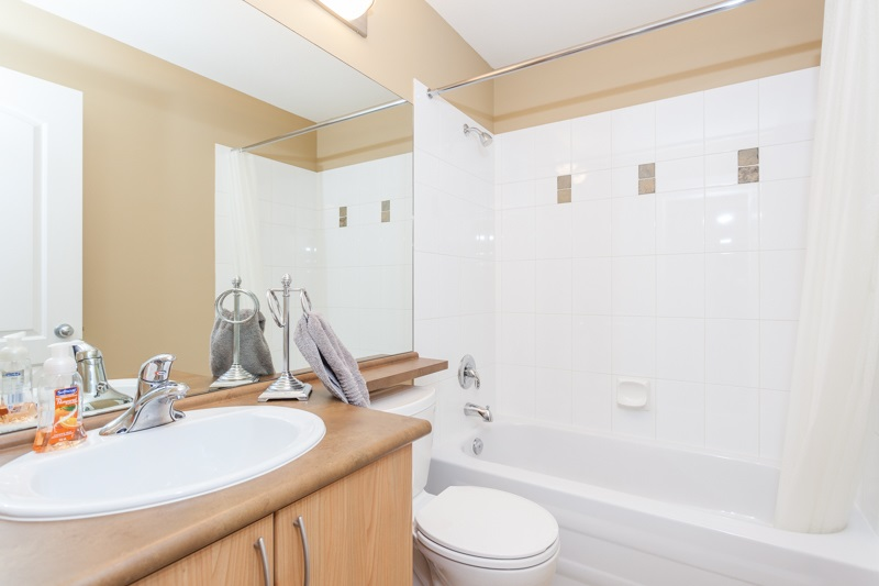 Photo 16: 10 5839 PANORAMA DRIVE in Surrey: Sullivan Station Townhouse for sale : MLS® # R2166965