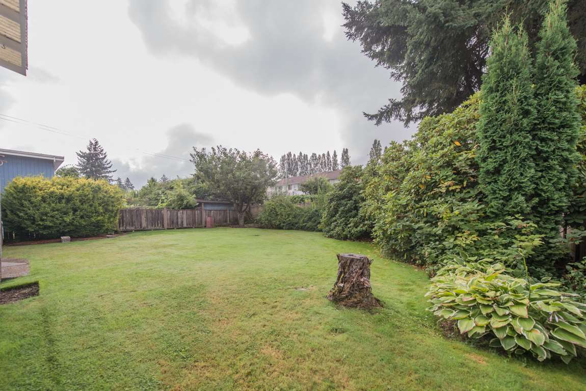 Photo 4: 4416 SARATOGA Court in Burnaby: Garden Village House for sale (Burnaby South)  : MLS® # R2205274
