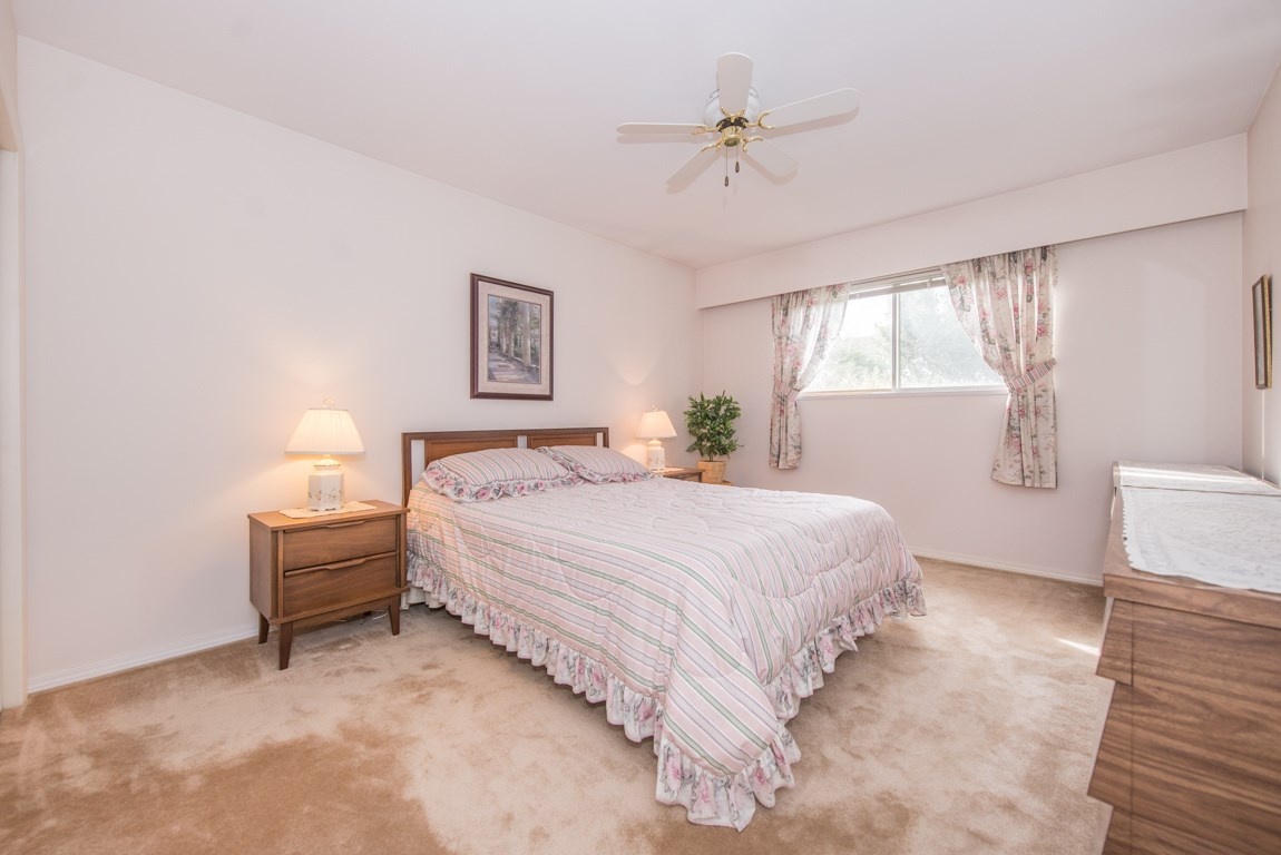 Photo 10: 4416 SARATOGA Court in Burnaby: Garden Village House for sale (Burnaby South)  : MLS® # R2205274