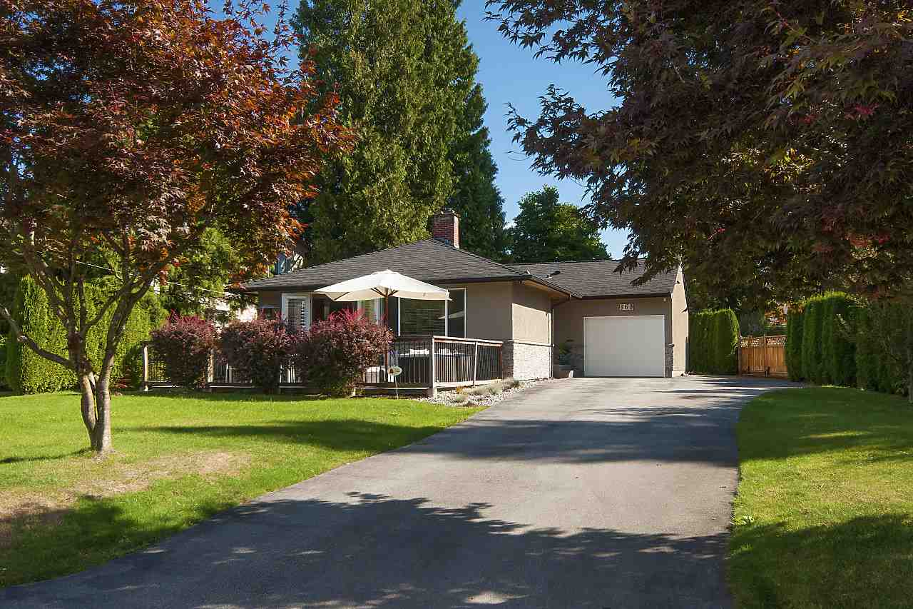 "Main Photo: 960 CAITHNESS Crescent in Port Moody: Glenayre House for sale in ""GLENAYRE"" : MLS® # R2208831"