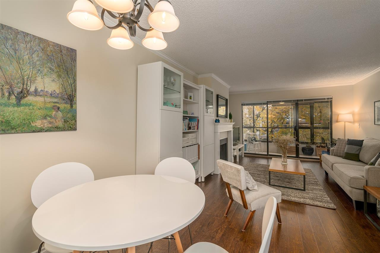 "Photo 5: Photos: 317 550 E 6TH Avenue in Vancouver: Mount Pleasant VE Condo for sale in ""LANDMARK GARDENS"" (Vancouver East)  : MLS® # R2222952"