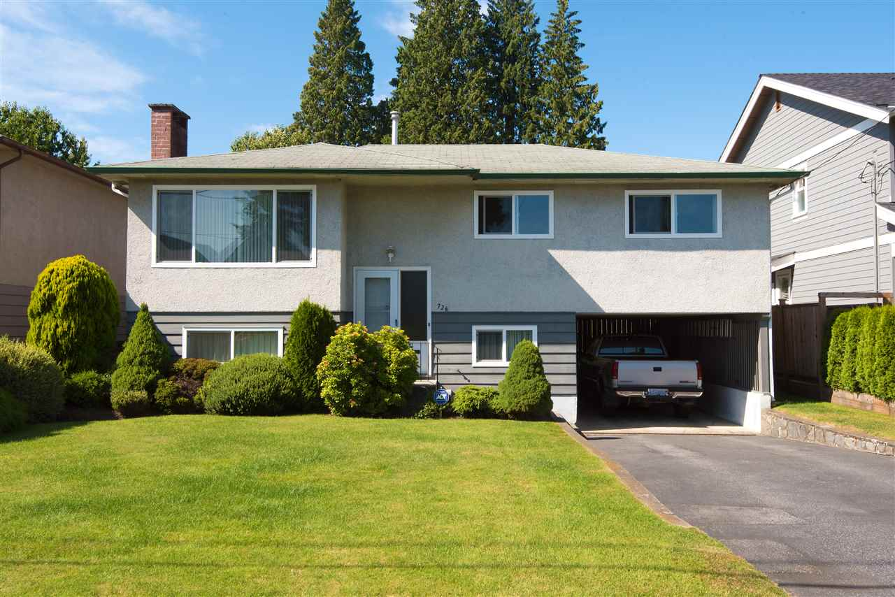Main Photo: 726 E 15TH Street in North Vancouver: Boulevard House for sale : MLS®# R2292056