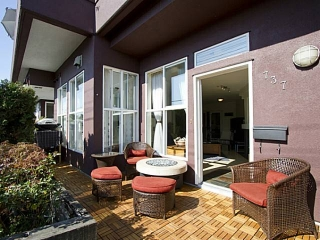 "Main Photo: 737 E 17TH AV in Vancouver: Fraser VE Townhouse for sale in ""Kingsgate Manor"" (Vancouver East)  : MLS®# V1029050"