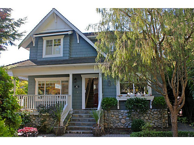 Main Photo: 1373 20TH Street in West Vancouver: Ambleside House for sale : MLS® # V1030085