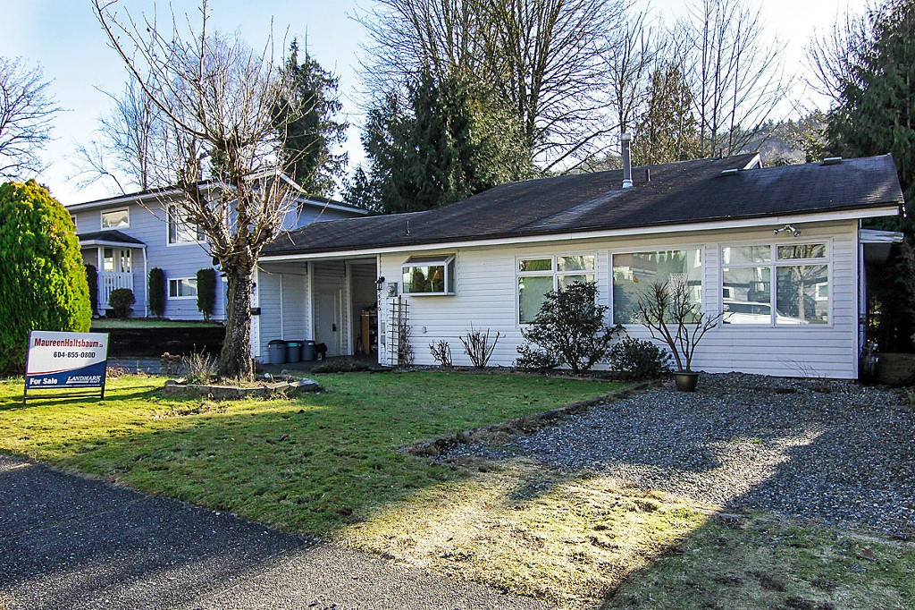 "Photo 1: 35370 SELKIRK Avenue in Abbotsford: Abbotsford East House for sale in ""Prince Charles School"" : MLS® # F1402103"