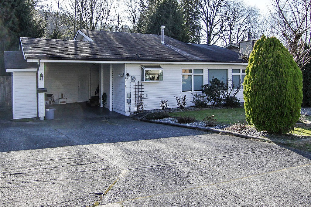 "Photo 3: 35370 SELKIRK Avenue in Abbotsford: Abbotsford East House for sale in ""Prince Charles School"" : MLS® # F1402103"