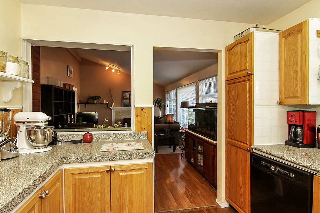 "Photo 12: 35370 SELKIRK Avenue in Abbotsford: Abbotsford East House for sale in ""Prince Charles School"" : MLS® # F1402103"