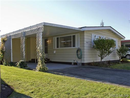 Main Photo: 9405 Brookwood Drive in SIDNEY: Si Sidney South-West Manu Double-Wide for sale (Sidney)  : MLS(r) # 344302