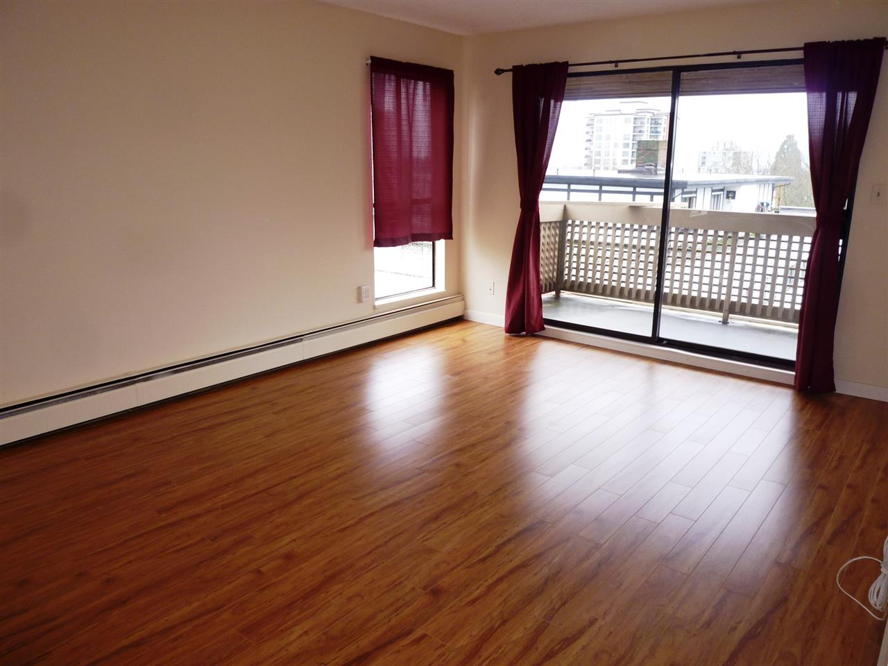 "Photo 3: 501 715 ROYAL Avenue in New Westminster: Uptown NW Condo for sale in ""VISTA ROYAL"" : MLS(r) # R2041122"