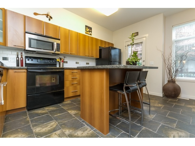 "Photo 10: 57 2000 PANORAMA Drive in Port Moody: Heritage Woods PM Townhouse for sale in ""MOUNTAINS EDGE"" : MLS(r) # R2044184"