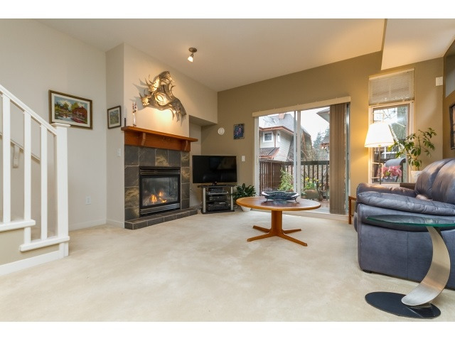"Photo 3: 57 2000 PANORAMA Drive in Port Moody: Heritage Woods PM Townhouse for sale in ""MOUNTAINS EDGE"" : MLS® # R2044184"