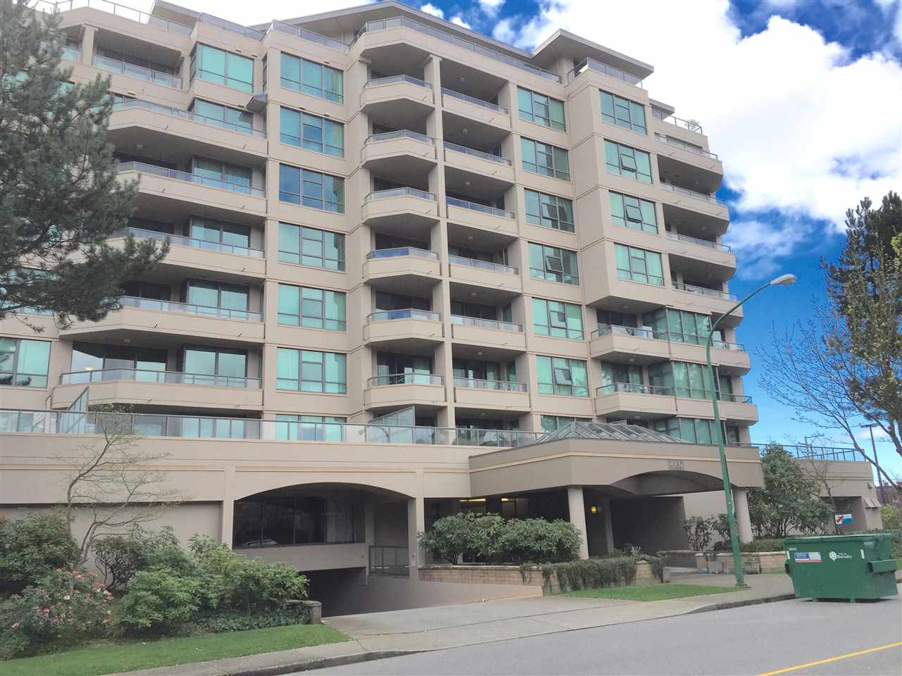 "Main Photo: 605 4160 ALBERT Street in Burnaby: Vancouver Heights Condo for sale in ""CARLTON PLACE"" (Burnaby North)  : MLS® # R2055832"