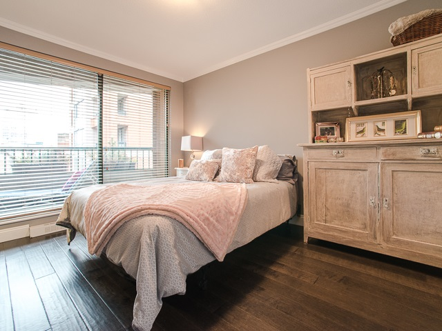 "Photo 9: 303 1226 HAMILTON Street in Vancouver: Yaletown Condo for sale in ""GREENWICH PLACE"" (Vancouver West)  : MLS® # R2056690"