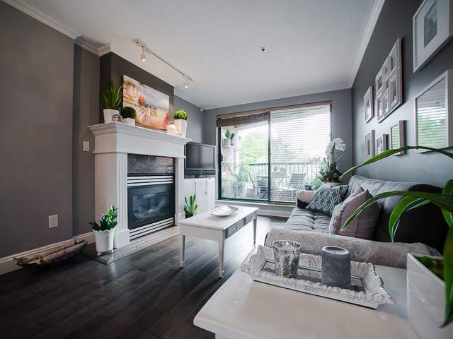 "Photo 6: 303 1226 HAMILTON Street in Vancouver: Yaletown Condo for sale in ""GREENWICH PLACE"" (Vancouver West)  : MLS® # R2056690"