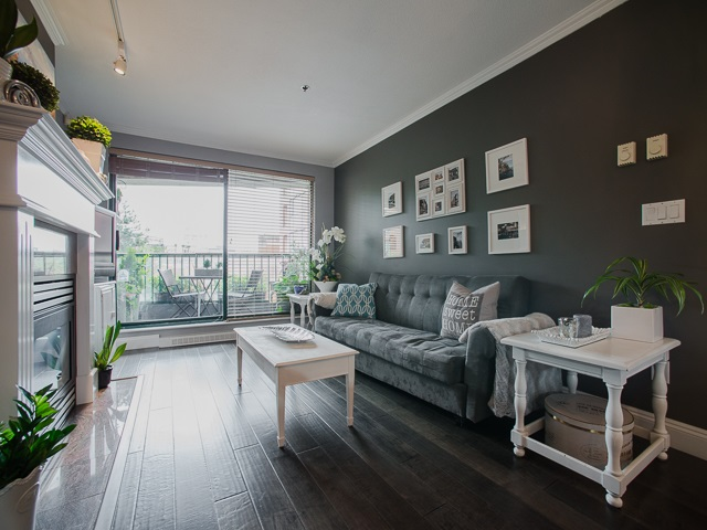 "Photo 5: 303 1226 HAMILTON Street in Vancouver: Yaletown Condo for sale in ""GREENWICH PLACE"" (Vancouver West)  : MLS® # R2056690"
