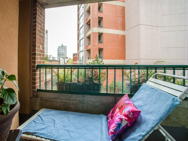 "Photo 15: 303 1226 HAMILTON Street in Vancouver: Yaletown Condo for sale in ""GREENWICH PLACE"" (Vancouver West)  : MLS® # R2056690"