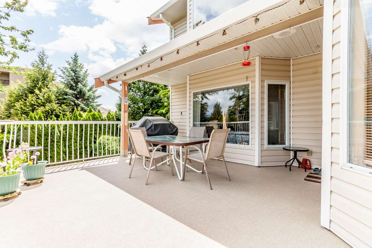 "Photo 9: 2428 MOUNTAIN Drive in Abbotsford: Abbotsford East House for sale in ""EAST ABBOTSFORD"" : MLS® # R2075887"