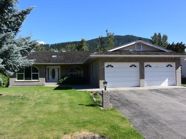 Main Photo: Map location: 619 3RD Avenue in : Chase House for sale (South East)  : MLS®# 136032