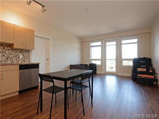 Photo 10: 401 935 Cloverdale Avenue in VICTORIA: SE Quadra Condo Apartment for sale (Saanich East)  : MLS® # 368074