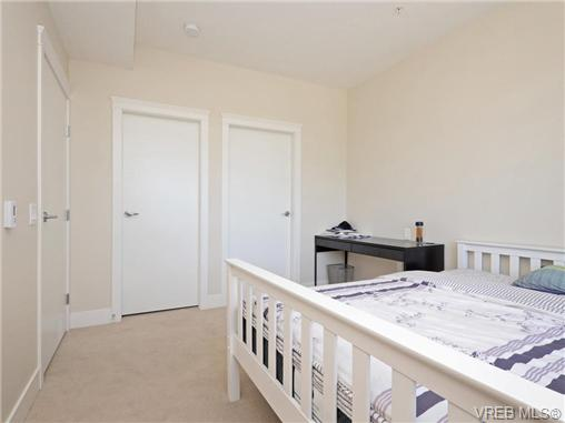Photo 12: 401 935 Cloverdale Avenue in VICTORIA: SE Quadra Condo Apartment for sale (Saanich East)  : MLS® # 368074