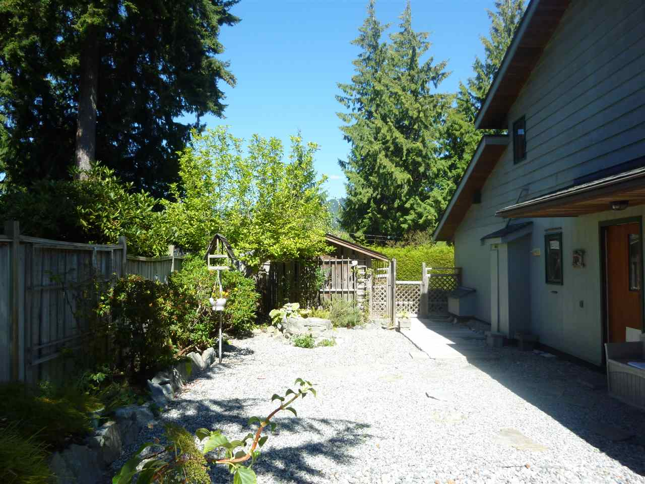 "Photo 3:  in Sechelt: Sechelt District House for sale in ""SECHELT"" (Sunshine Coast)  : MLS® # R2101936"