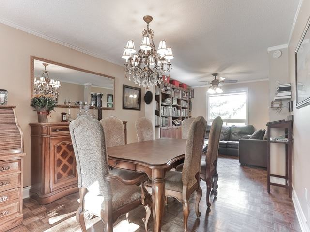 Photo 12: 45 Lansbury Court in Vaughan: Crestwood-Springfarm-Yorkhill House (2-Storey) for sale : MLS(r) # N3643516