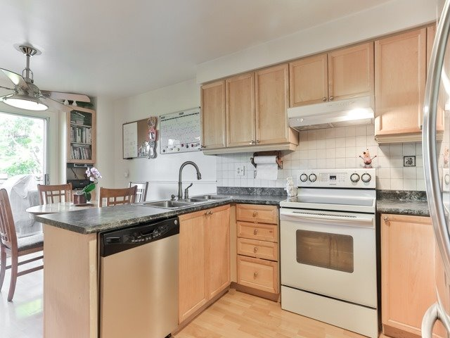 Photo 18: 45 Lansbury Court in Vaughan: Crestwood-Springfarm-Yorkhill House (2-Storey) for sale : MLS(r) # N3643516