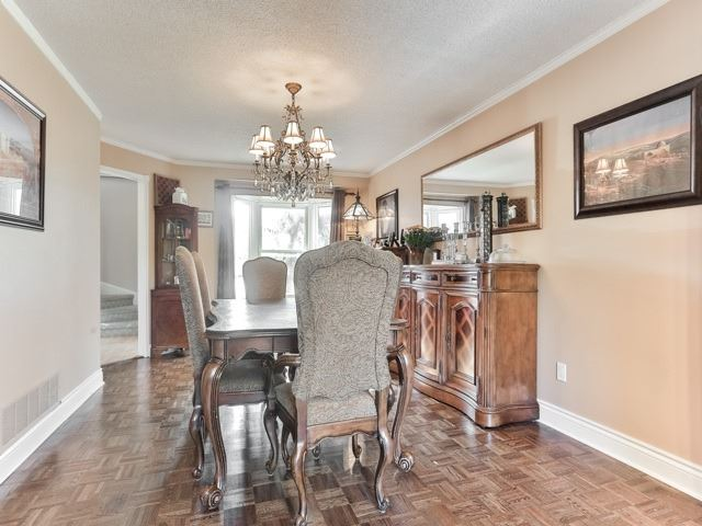 Photo 14: 45 Lansbury Court in Vaughan: Crestwood-Springfarm-Yorkhill House (2-Storey) for sale : MLS(r) # N3643516