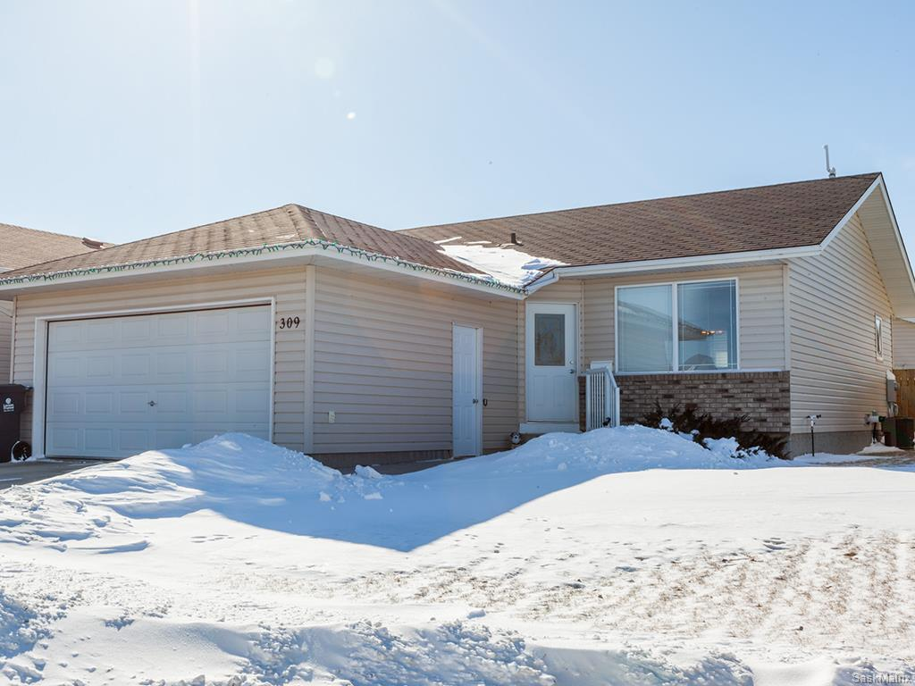 Main Photo: 309 1st Avenue North: Warman Single Family Dwelling for sale (Saskatoon NW)  : MLS® # 600765