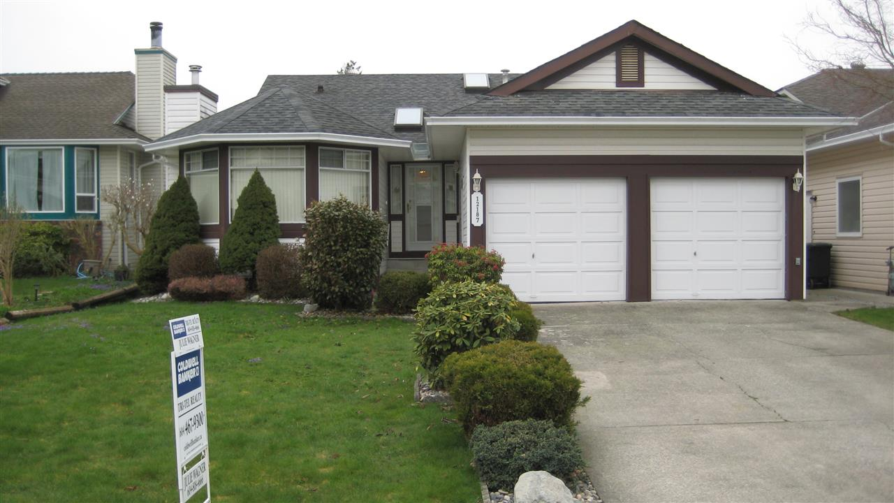 "Main Photo: 12187 CHESTNUT Crescent in Pitt Meadows: Mid Meadows House for sale in ""SOMERSET"" : MLS(r) # R2152907"