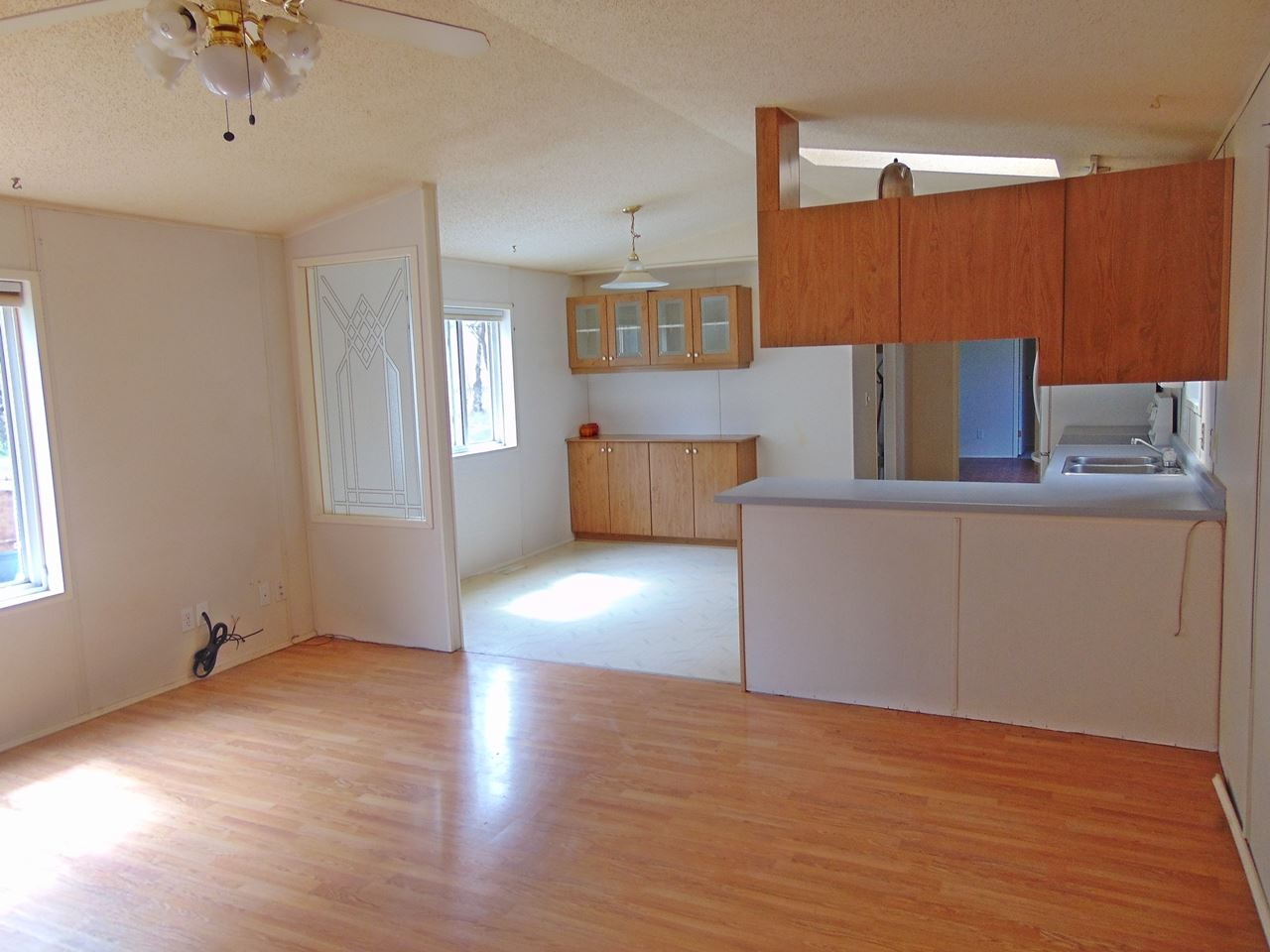 Photo 8: 56215 Rge Rd 234: Rural Sturgeon County Manufactured Home for sale : MLS(r) # E4063049
