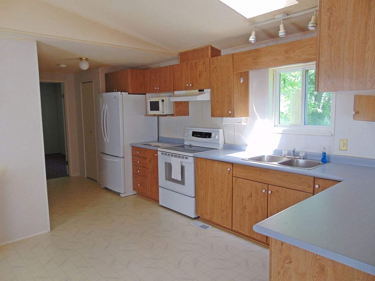 Photo 7: 56215 Rge Rd 234: Rural Sturgeon County Manufactured Home for sale : MLS(r) # E4063049
